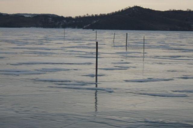 Лед Байкала.