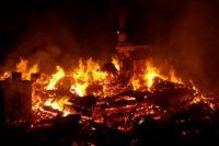 Пожар от окурка очень быстро распространяется
