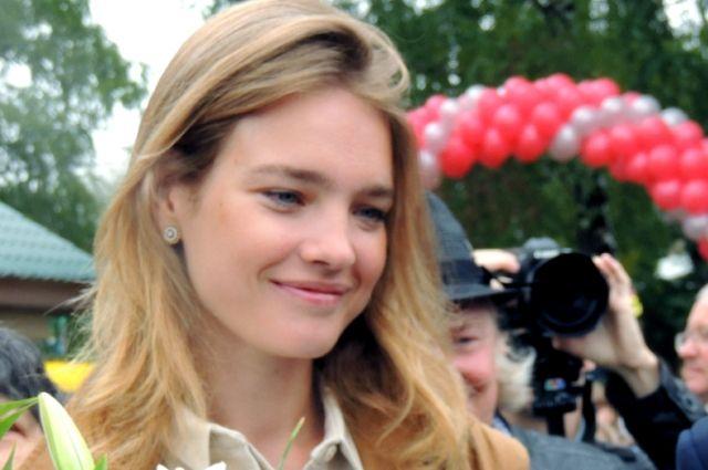 Наталья Водянова предстала полуобнаженной вподдержку свежей акции