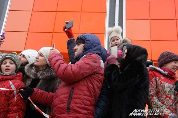 Публика поддерживала спортсменку криками «Вперёд, Оксана, ты сможешь!»