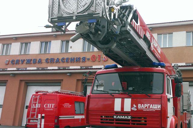 Ночью изпожара вСалехарде было эвакуировано трое детей