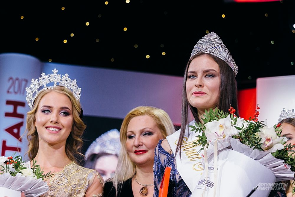 Две самые красивые девушки последних двух лет - Диляра Ялалтынова и Зульфия Шарафеева.