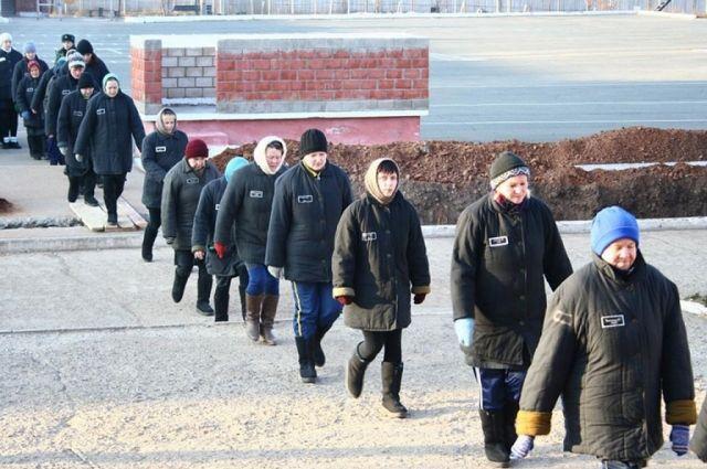 Жительница Кузбасса снова вернулась в тюрьму после освобождения.