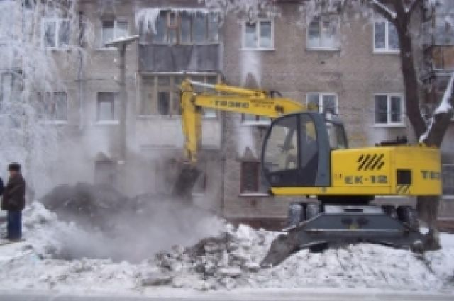 Наулице Ладо Кецховели вКрасноярске произошел порыв трубы