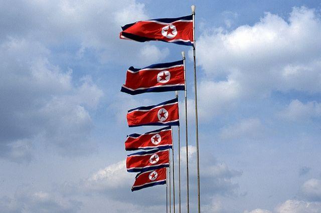 Северная Корея разместила две баллистические ракеты близ Пхеньяна
