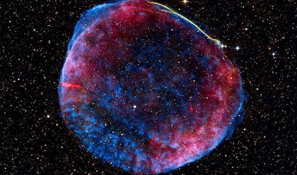 Так называемые, небесные фейерверки. Выглядит это явление очень фантастично