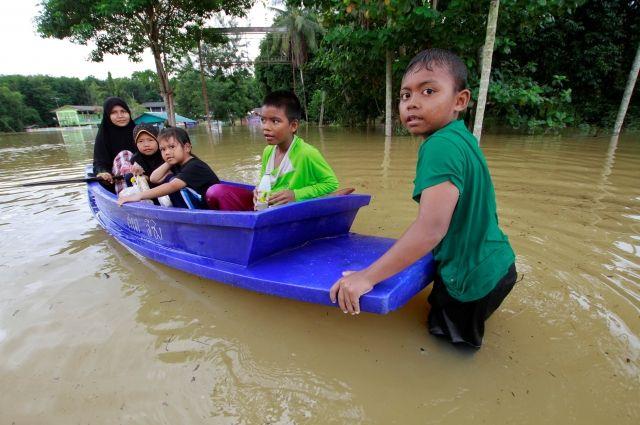 Количество жертв наводнения на юге Таиланда увеличилось до 85