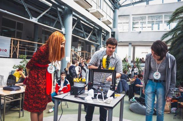 Студенческое конструкторское бюро ИКТИБ ЮФУ признано победителем всероссийского конкурса в 2016 году.