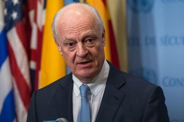 Также для участие в переговорах в Астану прибыл спецпосланник ООН по Сирии Стаффан де Мистура.