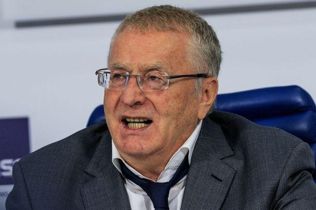Жириновский предложил пенсионерам и творческим людям переехать на север