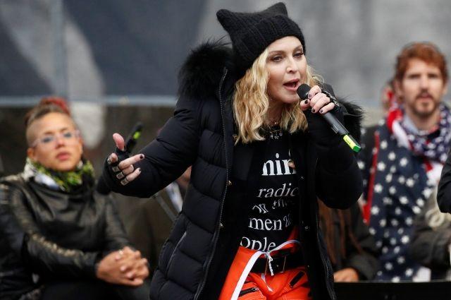 Соратник Трампа предложил арестовать Мадонну за слова о взрыве Белого дома