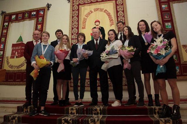 Валерий Шанцев поздравил спортсменок с «бронзой» чемпионата мира
