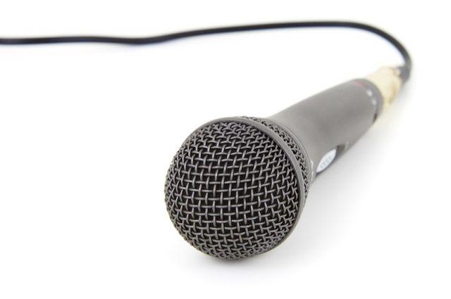 Слушатель заявил, что недопустимо в новостях о дорожно-транспортных происшествиях использовать слова «автоледи» или «дрифтер».