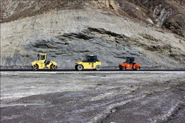 На строительство сельских дорог в России потратят 8,3 миллиарда рублей