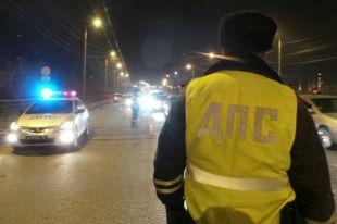 ГИБДД выясняет обстоятельства конфликта между такси и машиной