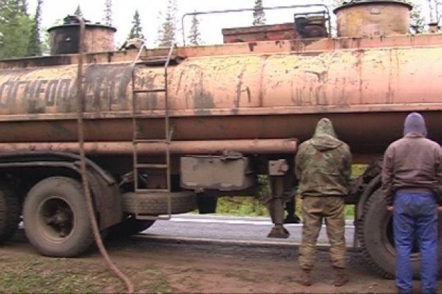 В Новосергиевском районе банда едва не украла 100 тонн нефти на 1,6 млн