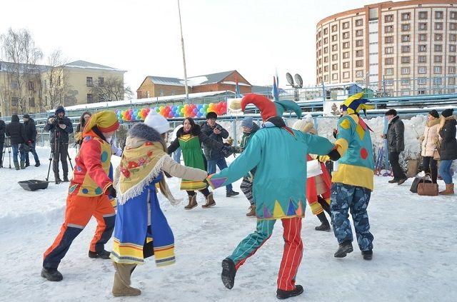Гостей праздника в ПГУ будут встречать коробейники, шуты, глашатаи и скоморохи в национальных костюмах.