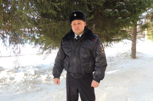 ВОрске работник Росгвардии спас мужчину отбандита сножом