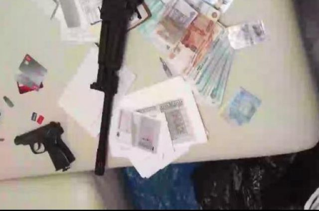 Членов ОПГ изАрмении арестовали поподозрению ввымогательстве иразбое