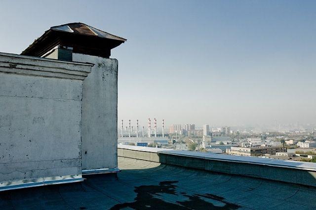 Мужчина выпрыгнул сдевятого этажа вДзержинске