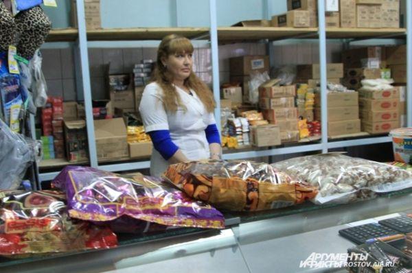 В магазине заключенные чаще всего покупают чай, кофе и … сигареты.