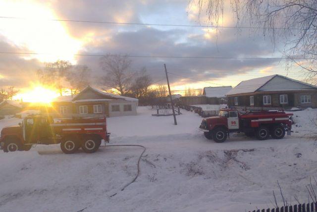 ВЗасвияжье вспыхнул пожар вжилом доме
