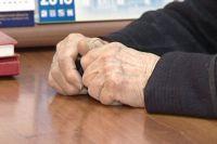 Мошенник звонил пожилым людям якобы от имени родственника и просил перевести деньги.