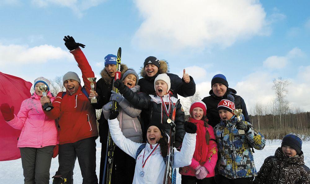 Победители в индивидуальном зачёте получили медали, а учебные заведения Академического, соревновавшиеся в командной дисциплине, - кубки (учитывалось количество призовых мест, которые заняли их воспитанники). В итоге первое место в лыжной гонке завоевала школа №16, серебро досталось школе №19, а бронза - школе №23. В этот же день в Академическом торжественно открыли хоккейный корт на межшкольном стадионе.