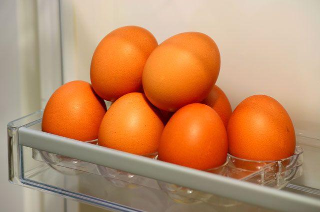 По яйца молодке видео онлайн