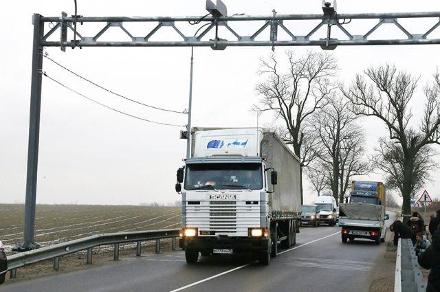200 млн в год тратят на ремонт дорог региона, разбитых перегруженными авто.