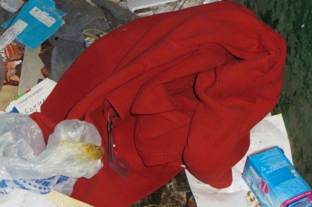 ВТуле мужчина стянул изквартиры знакомой шубу ипальто