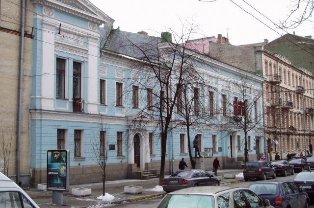 «Культурная» комиссия приняла решение переименовать Музей русского искусства