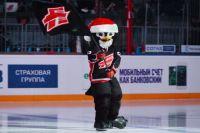 Омские хоккеисты не смогли порадовать «Ястреба».