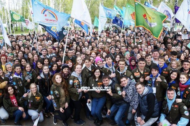 Студенты в основном работают на всероссийских стройках