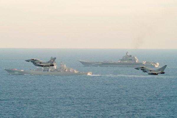 Фэллон заявил, что Британия будет следить за каждым шагом российских кораблей вблизи берегов королевства с целью обеспечения безопасности страны.