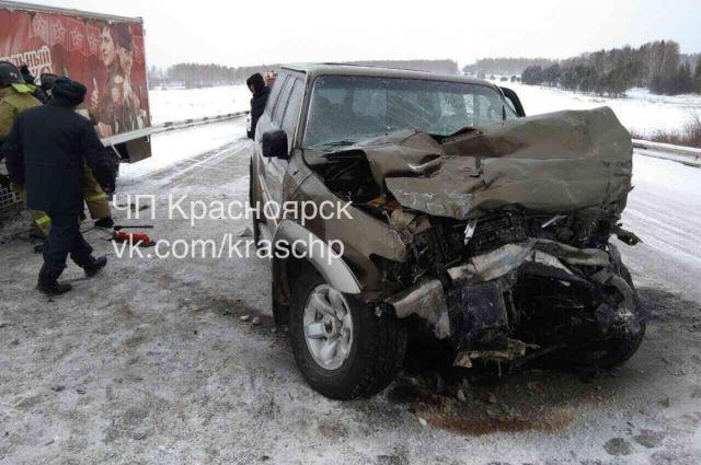 В результате аварии погиб пожилой мужчина за рулём внедорожника.