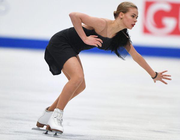 Второе место — Анна Погорилая, третье место досталось итальянке Каролине Костнер.