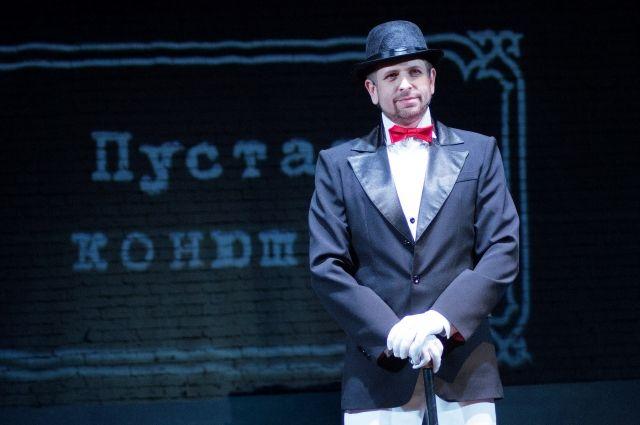 Михаил Быков отметит своё 40-летие и «творческое совершеннолетие», ведь на сцене драмтеатра он играет уже 18 лет.