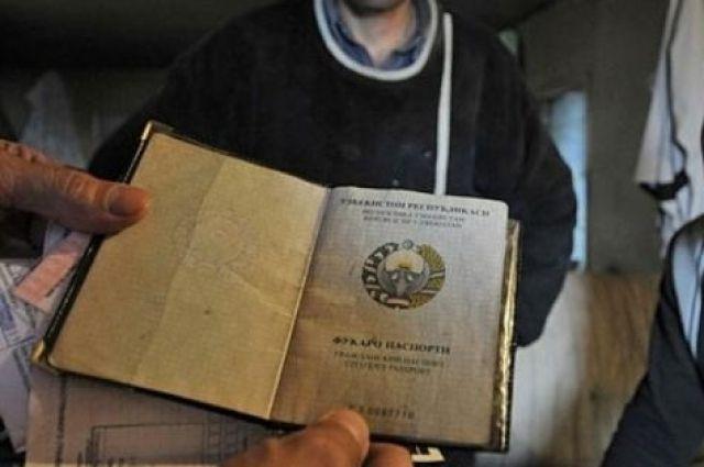 ИзПетербурга выдворено практически 1500 незаконных мигрантов