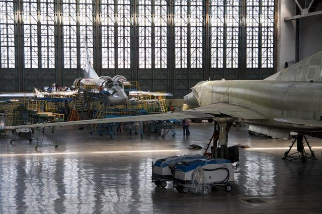 На Казанском авиазаводе идет модернизация стратегического ракетоносца Ту-160.