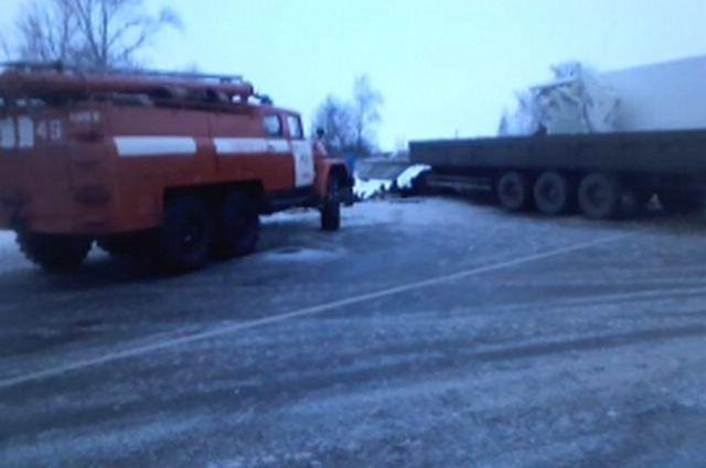 ВШиловском районе столкнулись фургоны