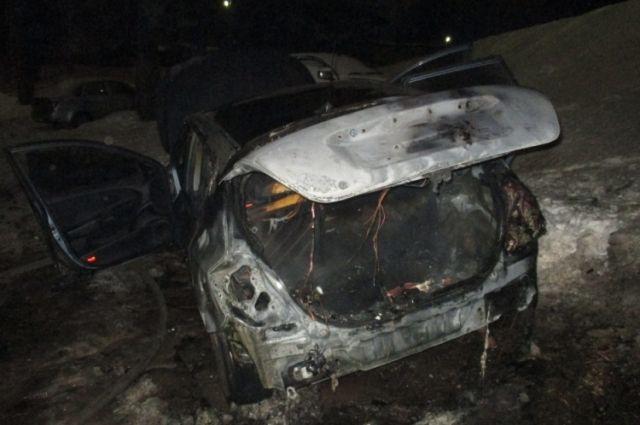 НаФрунзе вЯрославле сгорел автомобиль «Volkswagen»