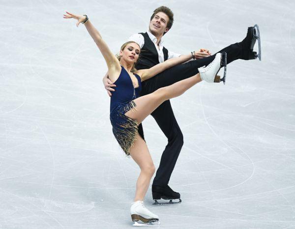 Виктория Синицина и Никита Кацалапов выступают в короткой программе танцев на льду.