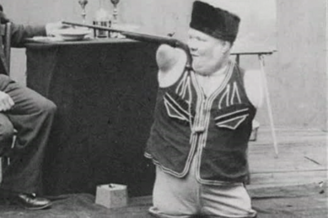 Николай Кобельков успел даже сняться в одном из первых фильмов, который так и назывался – «Kobelkoff».