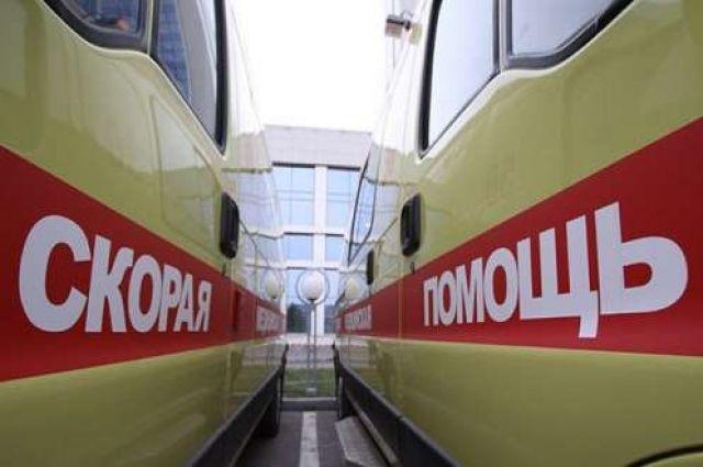 Автомобиль сбил бригаду уличных рабочих наКутузовском проспекте