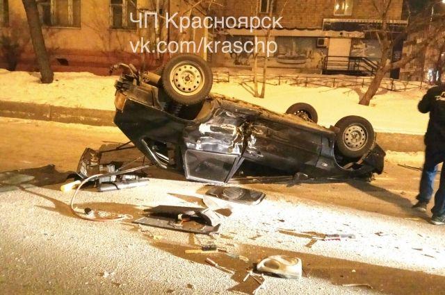 Три человека пострадали вДТП ВАЗа с«Приорой» вКрасноярске