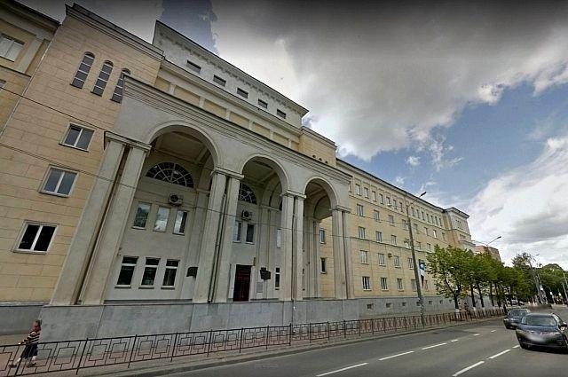 По мнению профессора Николая Аболмасова, ректору смоленского вуза приписывают незаслуженные успехи. Фото:
