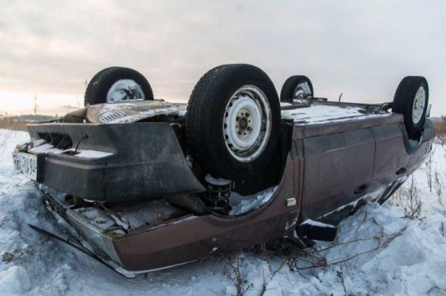 Полицейские ищут водителя, скрывшегося после ДТП натрассе Оренбург-Орск