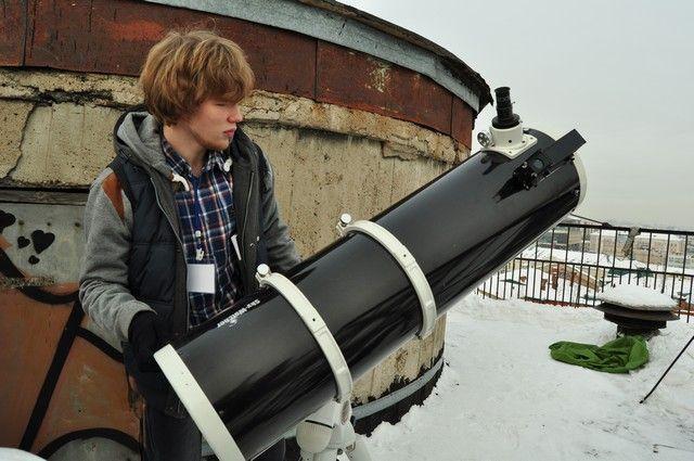 Граждане Омска могут понаблюдать запарадом планет