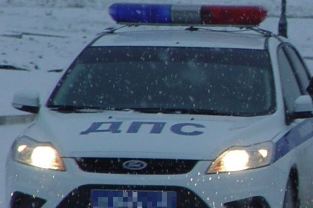 ВЯрославле ВАЗ врезался впатрульный автомобиль: пострадал инспектор ДПС